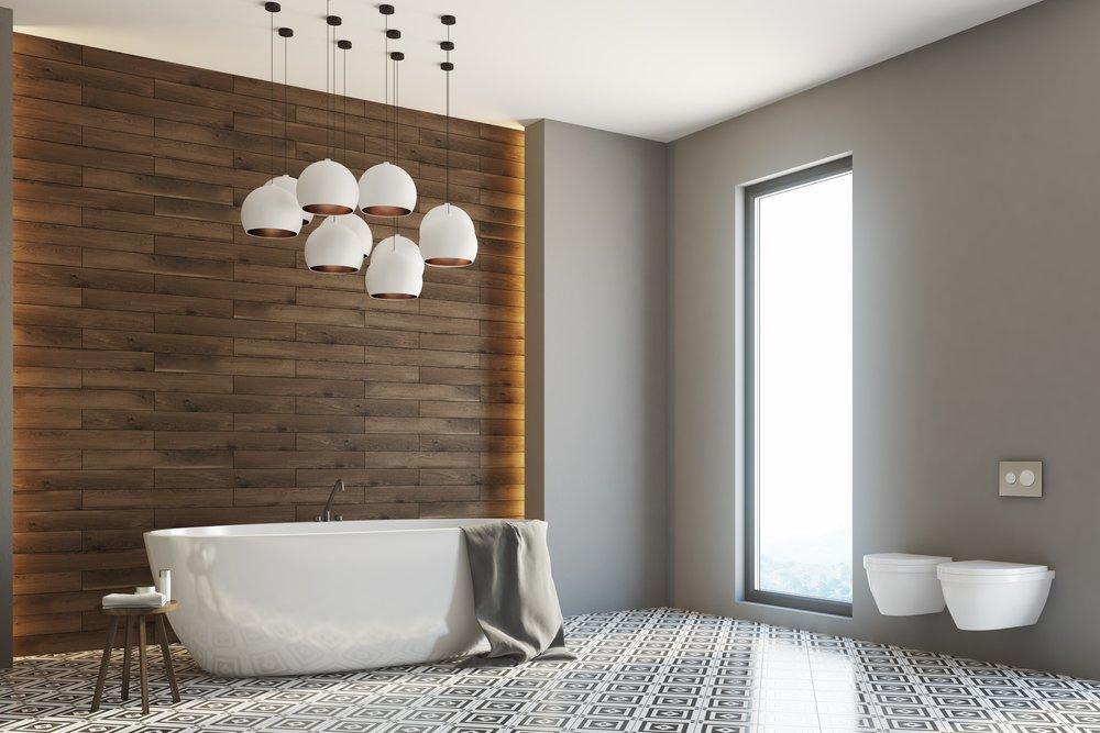 ванная оклеена обоями