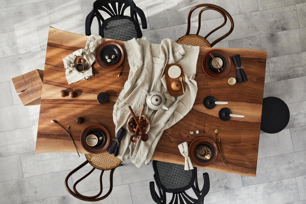 Stół do jadalni – jak wybrać odpowiedni? Podpowiadamy