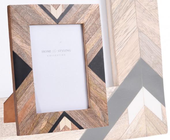 Drewniana ramka na zdjęcia o wymiarze 13 x 18 cm