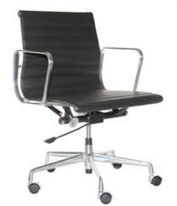 Fotel biurowy CH inspirowany proj. EA117- czarna skóra