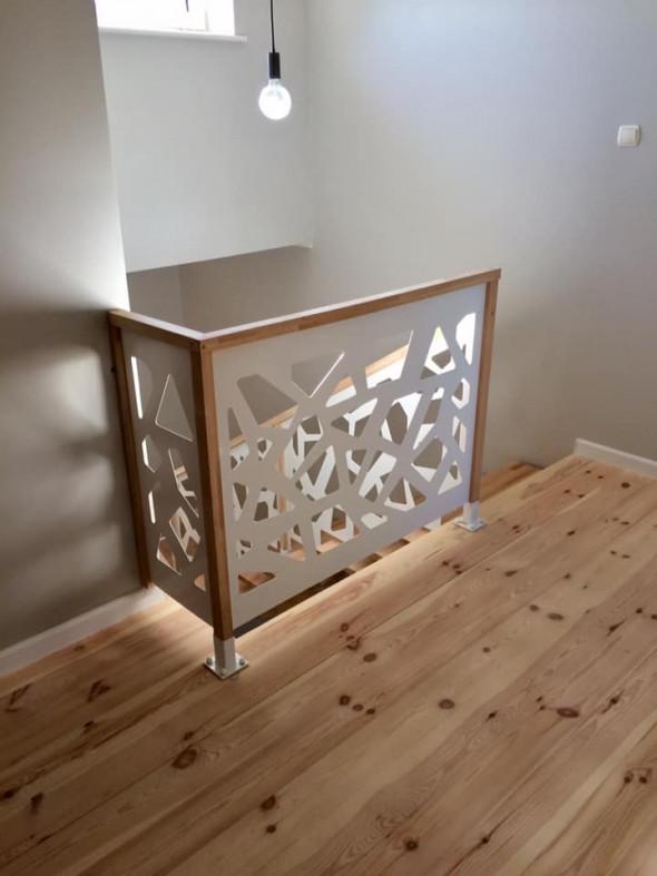 "Balustrada ""Trapezy"" metal + drewno"