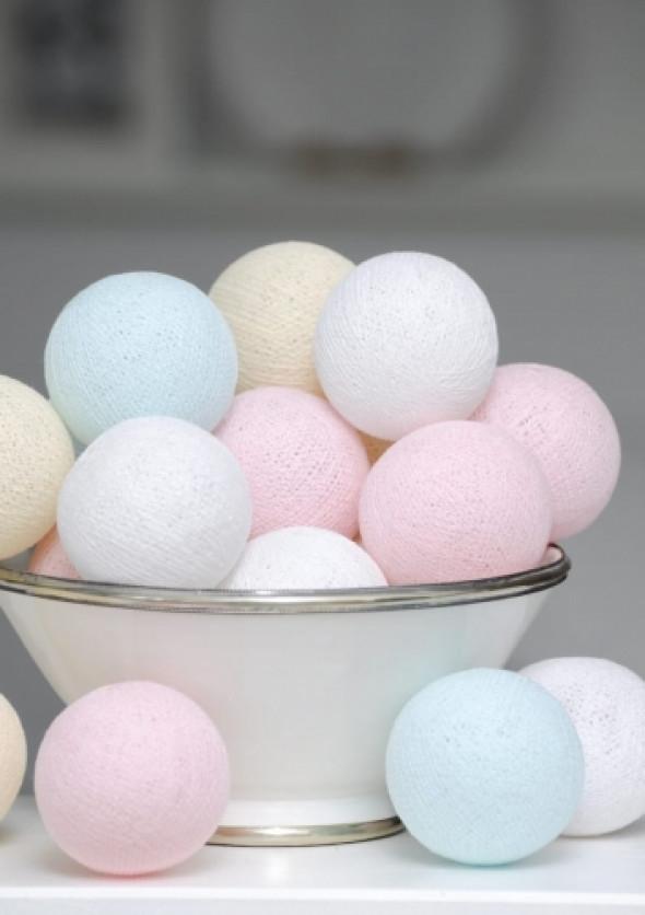 Cotton Ball Light girlanda z kul w pastelowych kolorach PASTEL