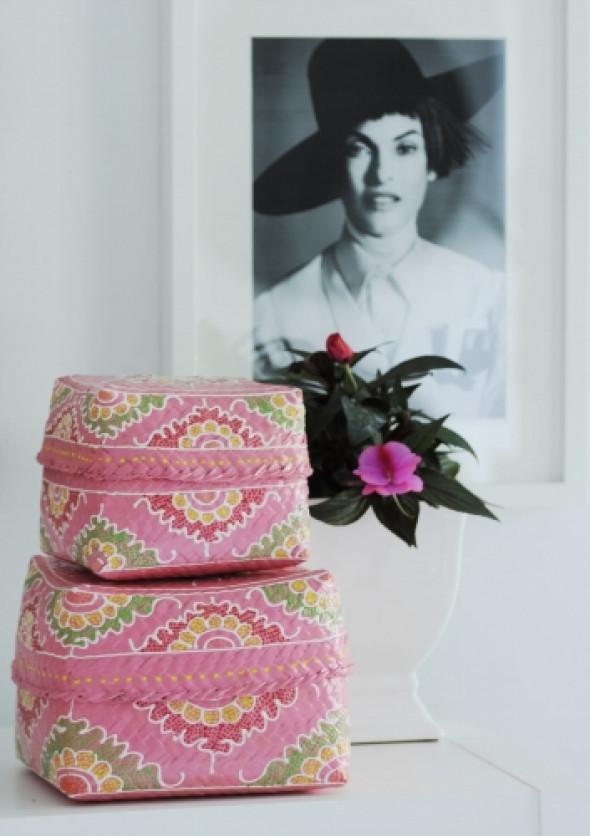 Koszyk różowy malowany w białe wzory PINK