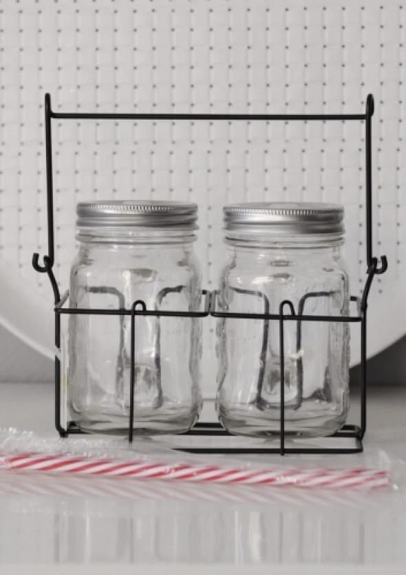 Słoiki na napoje ze słomką (2 szt. +słomki + koszyk)
