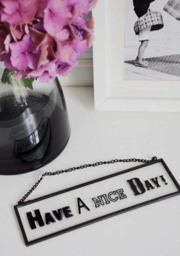Szyld szklany w metalowej ramce NICE DAY