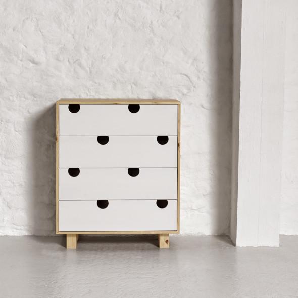 Komoda drewniana HOUSE 4 szuflady - KARUP biały, naturalny