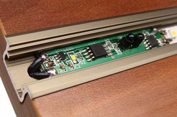 Ściemniacz bezdotykowy diodowy do taśmy LED montowany w profil aluminiowy 12-24V 3A